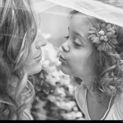 Homonnay Wedding - Bride and Flower Girl