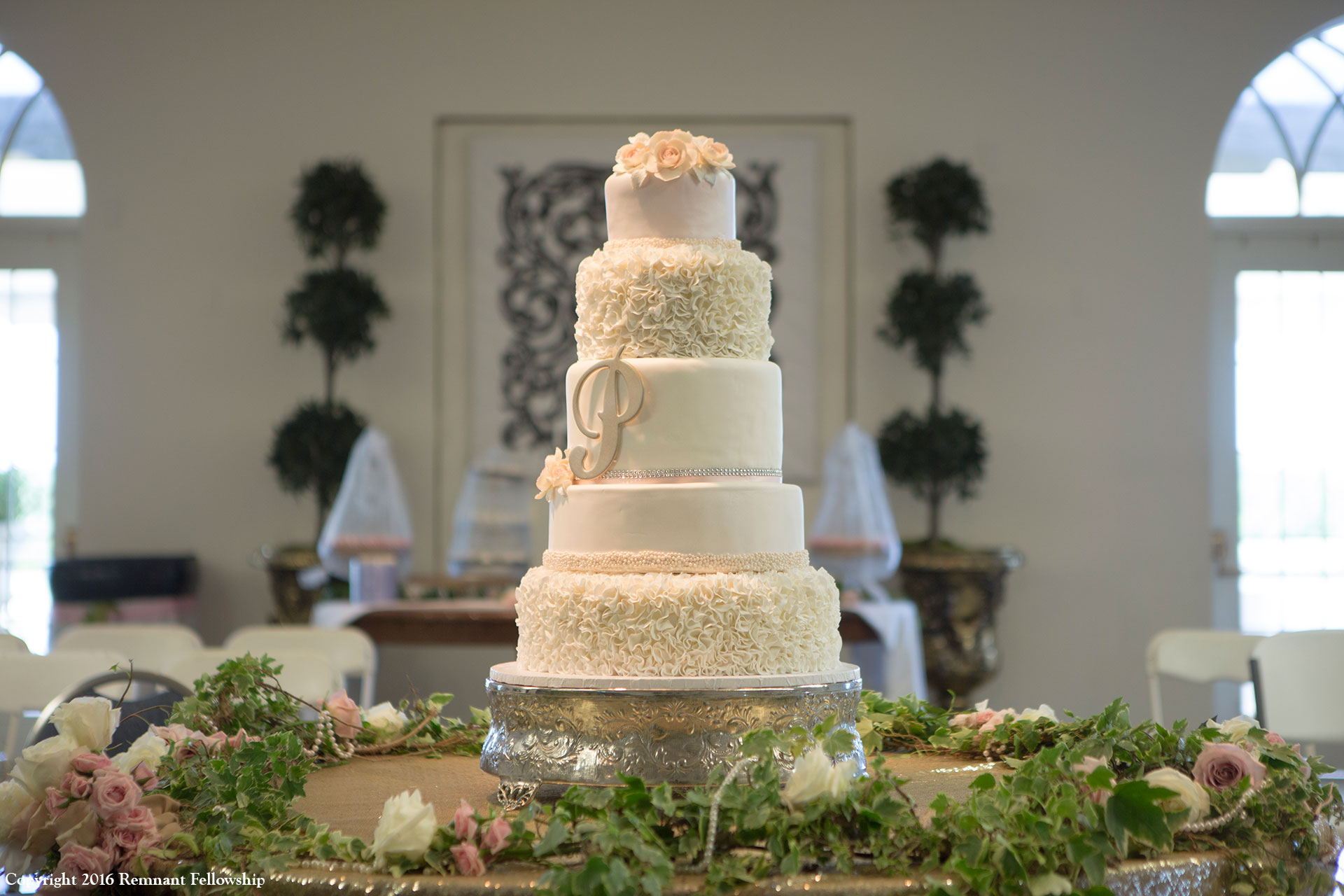 Remnant-Fellowship-Wedding-Peters-Sroda-Cake
