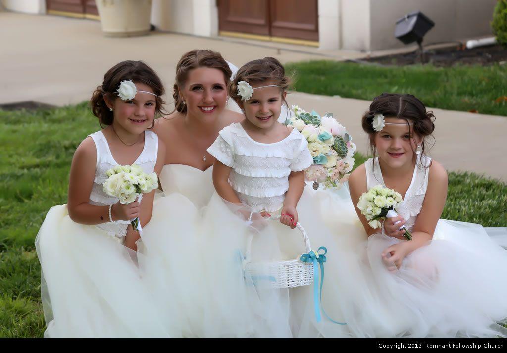 Ruberto Wedding - Bride and Flower Girls
