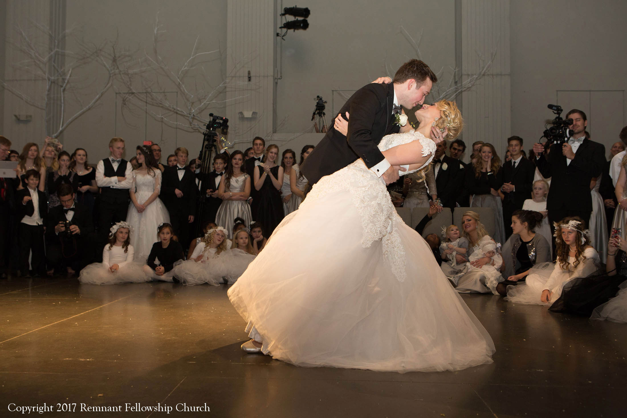 Remnant-Fellowship-Covenant-Wedding-Sindell-Voorhis-First-Dance-02